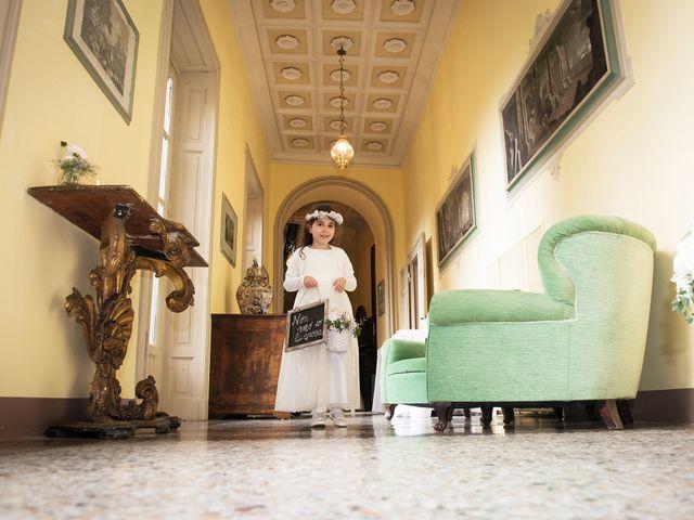 Il matrimonio di Emiliano e Loredana a Casatenovo, Lecco 30