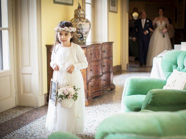 Il matrimonio di Emiliano e Loredana a Casatenovo, Lecco 31