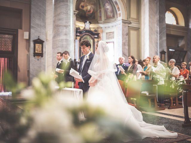Il matrimonio di Massi e Elena a Brugherio, Monza e Brianza 22
