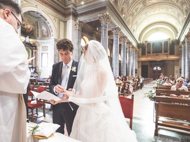Il matrimonio di Massi e Elena a Brugherio, Monza e Brianza 28
