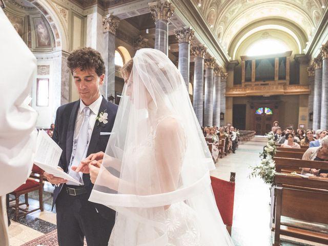 Il matrimonio di Massi e Elena a Brugherio, Monza e Brianza 30