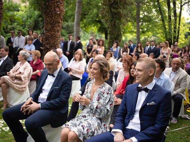 Il matrimonio di Ale e Ari a Gussola, Cremona 24