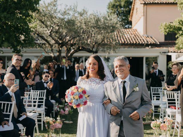 Il matrimonio di Luca e Camila a Caserta, Caserta 9