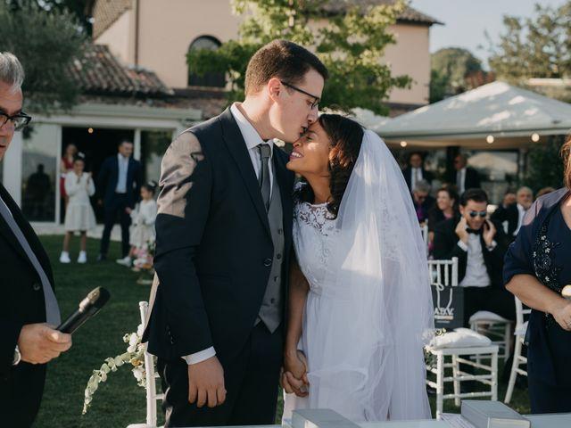 Il matrimonio di Luca e Camila a Caserta, Caserta 13