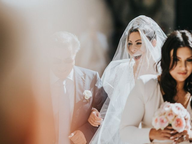 Il matrimonio di Sanjay e Tiziana a Castellabate, Salerno 19