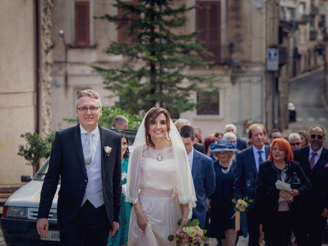 Il matrimonio di Pietro e Raffaella a Carolei, Cosenza 14