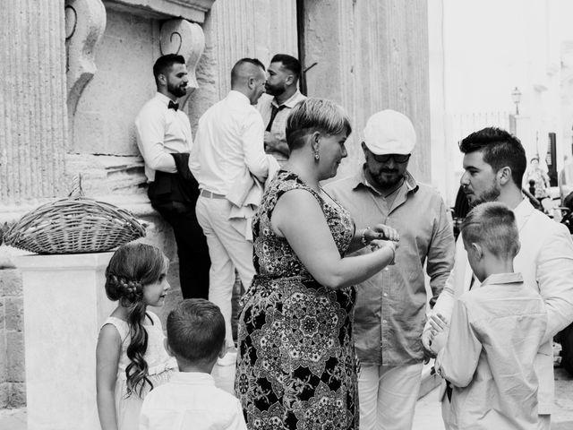 Il matrimonio di Oliver e Leslie a Gallipoli, Lecce 40