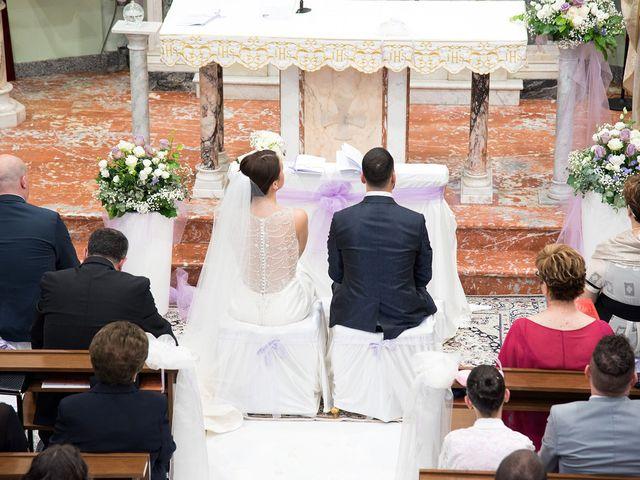 Il matrimonio di Roberto e Laura a Fermo, Fermo 12