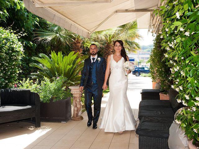 Il matrimonio di Roberto e Laura a Fermo, Fermo 28