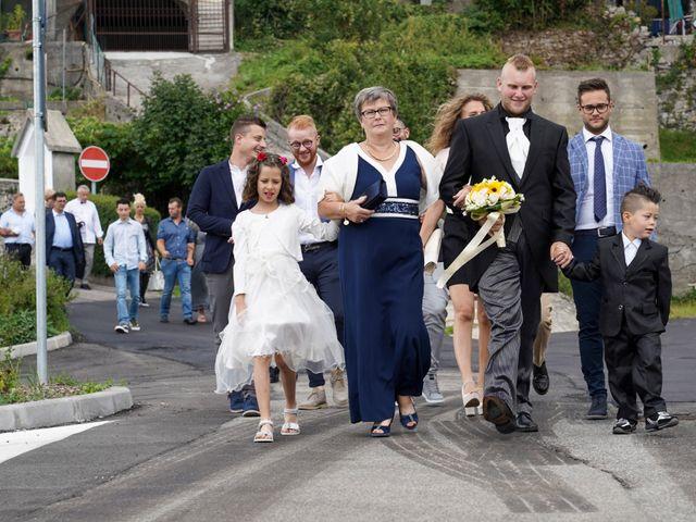 Il matrimonio di Elia e Elena a Barghe, Brescia 32