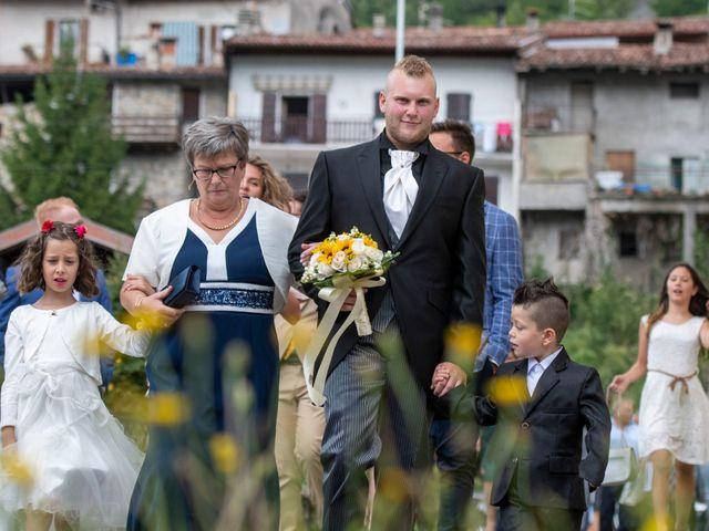 Il matrimonio di Elia e Elena a Barghe, Brescia 33