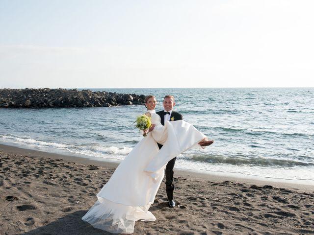 Il matrimonio di Peppe e Giusy a Torre Annunziata, Napoli 15