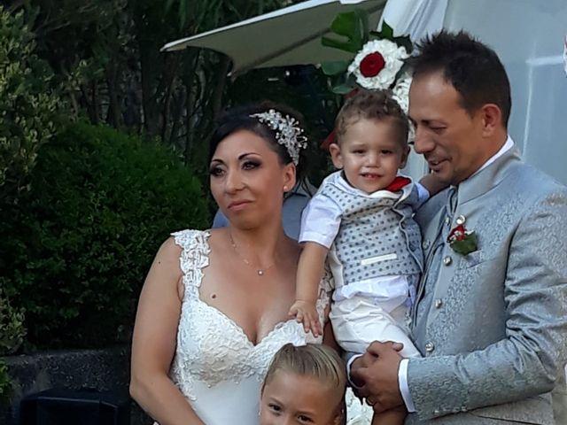 Il matrimonio di Filippo e Daniela a Comerio, Varese 16