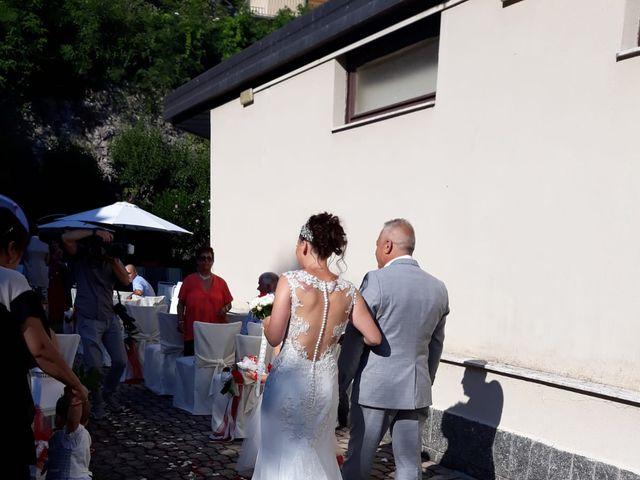 Il matrimonio di Filippo e Daniela a Comerio, Varese 18