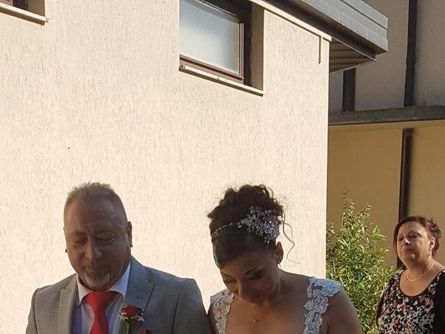 Il matrimonio di Filippo e Daniela a Comerio, Varese 19