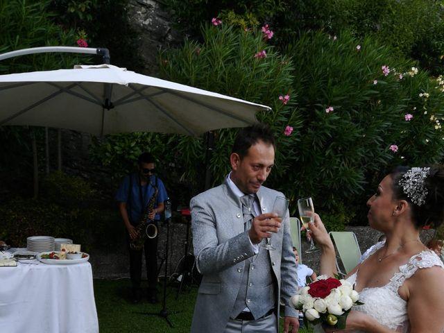 Il matrimonio di Filippo e Daniela a Comerio, Varese 29