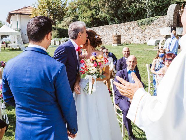 Il matrimonio di Matteo e Paola a Montevecchia, Lecco 28