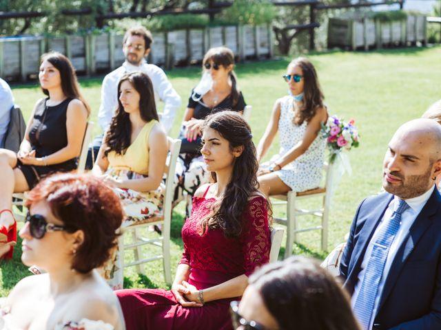 Il matrimonio di Matteo e Paola a Montevecchia, Lecco 29