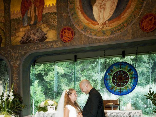Il matrimonio di Daniele e Elena a Costa Volpino, Bergamo 6