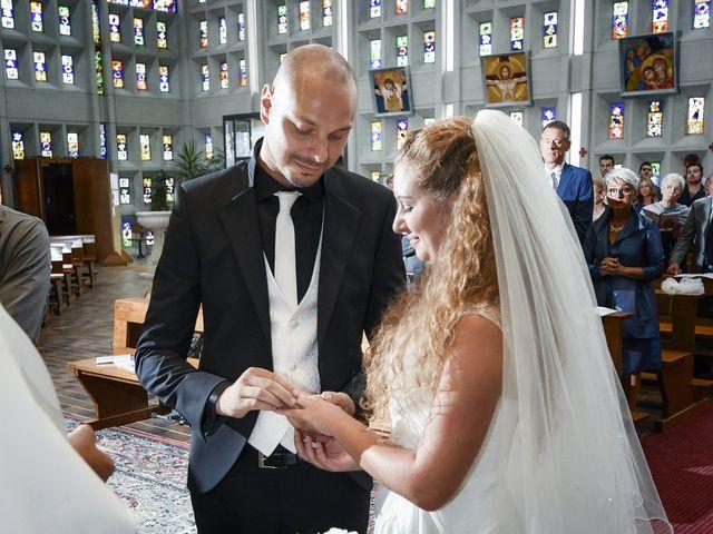Il matrimonio di Daniele e Elena a Costa Volpino, Bergamo 11