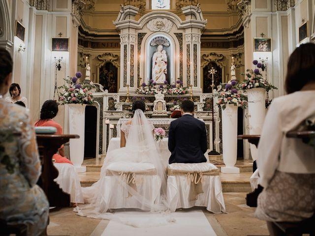 Il matrimonio di Dennis e Imma a Cirò Marina, Crotone 35