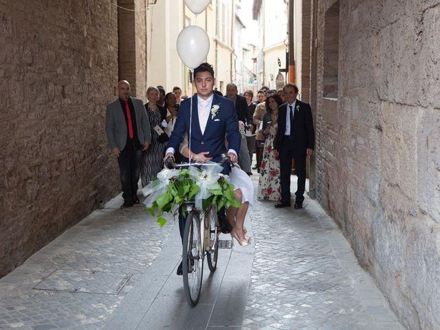 Il matrimonio di Yuri e Brigilda a Foligno, Perugia 22