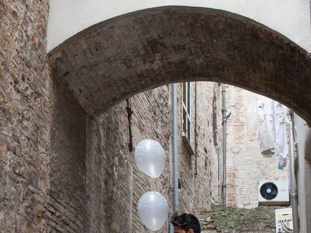 Il matrimonio di Yuri e Brigilda a Foligno, Perugia 32