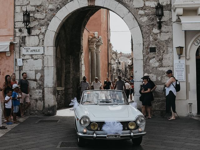Il matrimonio di Rosario e Marika a Taormina, Messina 24