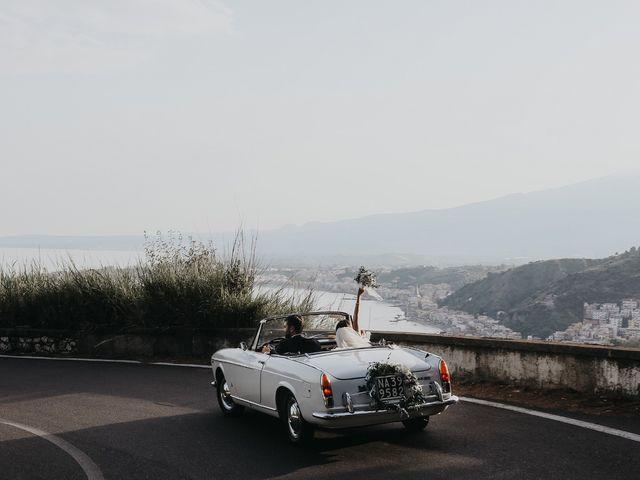 Il matrimonio di Rosario e Marika a Taormina, Messina 32