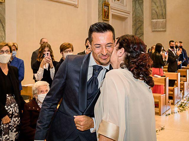 Il matrimonio di Marco e Elena a Bonate Sopra, Bergamo 27