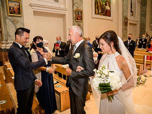 Il matrimonio di Marco e Elena a Bonate Sopra, Bergamo 29