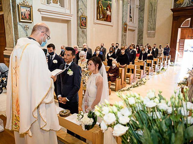 Il matrimonio di Marco e Elena a Bonate Sopra, Bergamo 30