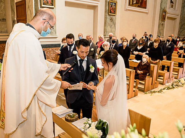 Il matrimonio di Marco e Elena a Bonate Sopra, Bergamo 33