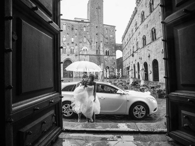 Il matrimonio di Michel e Kristine a Volterra, Pisa 19