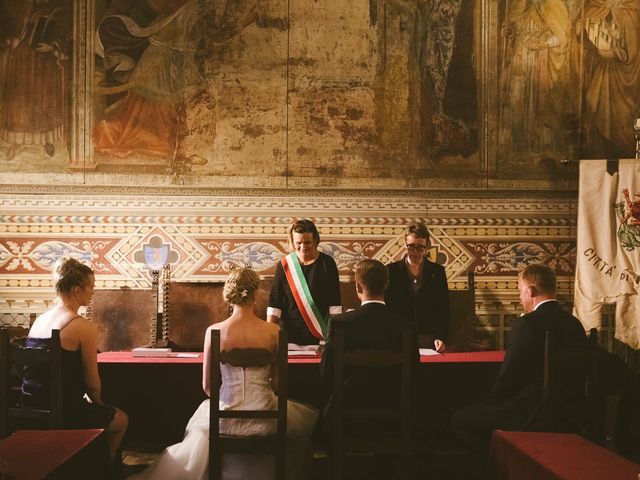 Il matrimonio di Michel e Kristine a Volterra, Pisa 23