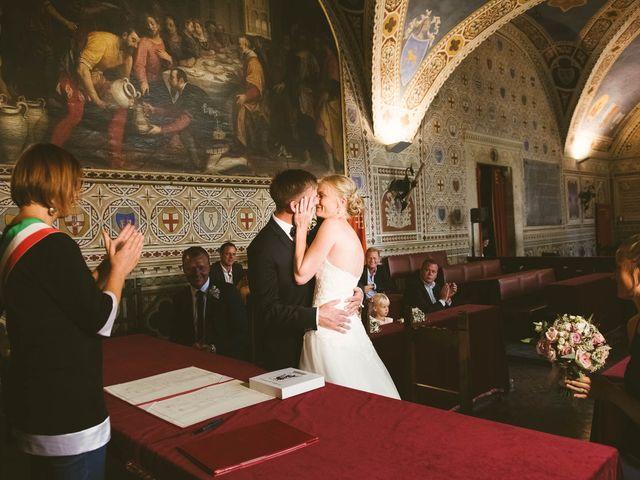 Il matrimonio di Michel e Kristine a Volterra, Pisa 25