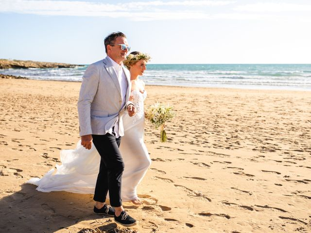 Il matrimonio di Jonathan e Valentina a Scicli, Ragusa 32