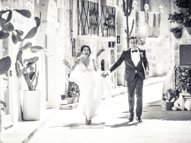 Il matrimonio di Michele e Annelisa a Cisternino, Brindisi 23