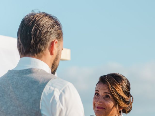 Il matrimonio di Laurent e Alexandra a Orosei, Nuoro 5
