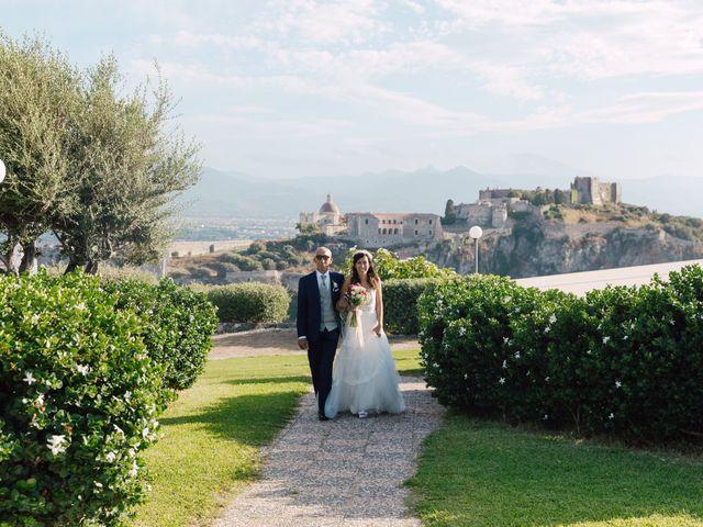 Il matrimonio di Nelly e Lorenzo a Milazzo, Messina 10