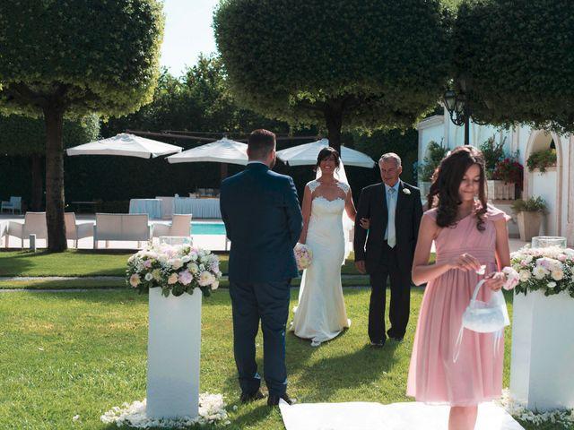 Il matrimonio di Vincenzo e Glare a Nola, Napoli 15