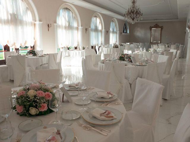 Il matrimonio di Vincenzo e Glare a Nola, Napoli 29