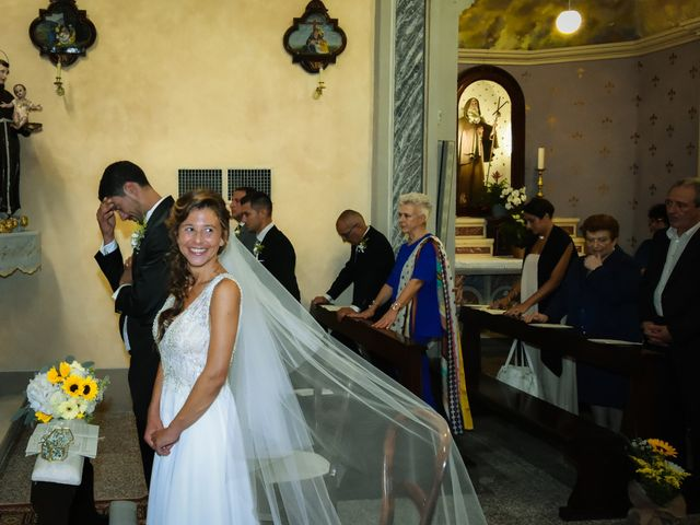 Il matrimonio di Andrea e Valeria a Fortunago, Pavia 18