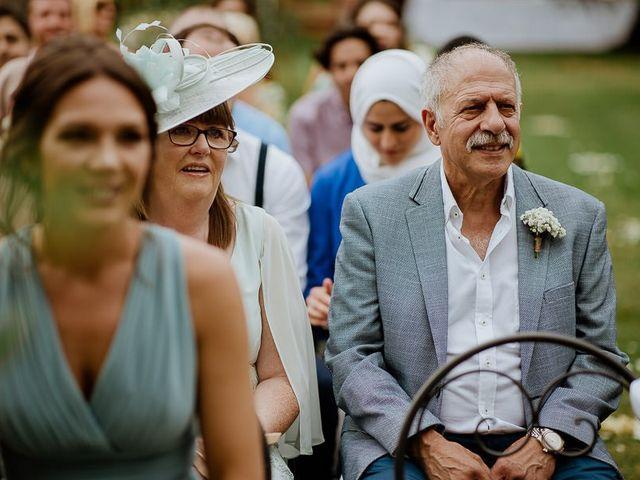 Il matrimonio di Barry e Emira a Barga, Lucca 34
