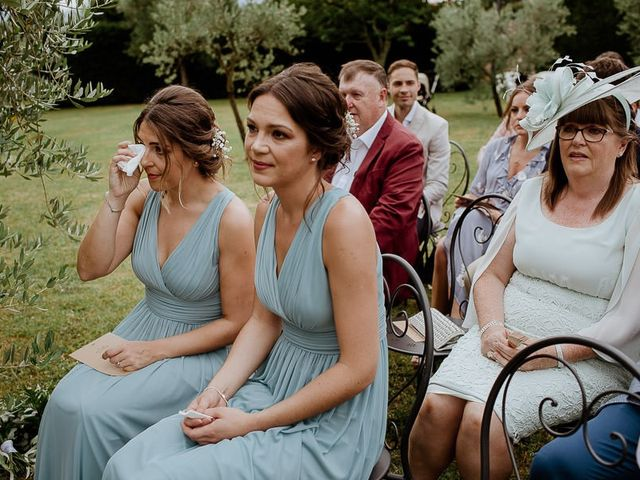 Il matrimonio di Barry e Emira a Barga, Lucca 36