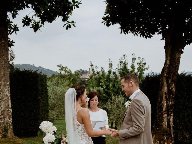 Il matrimonio di Barry e Emira a Barga, Lucca 38