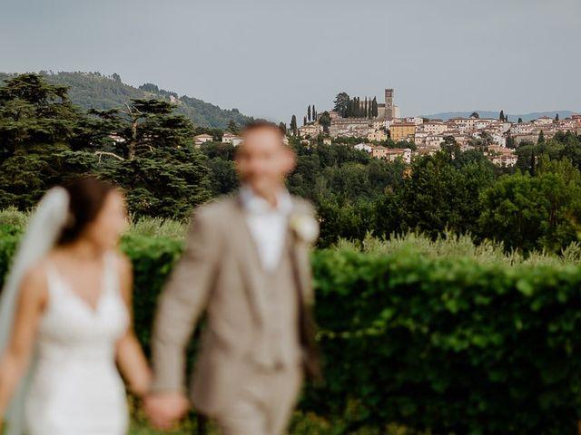 Il matrimonio di Barry e Emira a Barga, Lucca 56