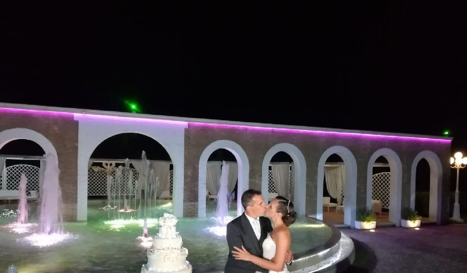 Il matrimonio di Giacomo e Guendalina a Lesina, Foggia
