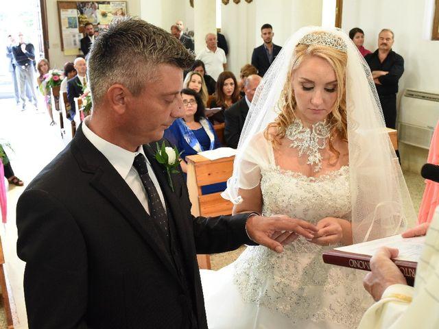 Il matrimonio di Marco e Carla a Cisterna di Latina, Latina 33