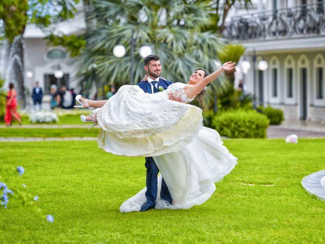 Il matrimonio di Christopher e Francesca a Latiano, Brindisi 13
